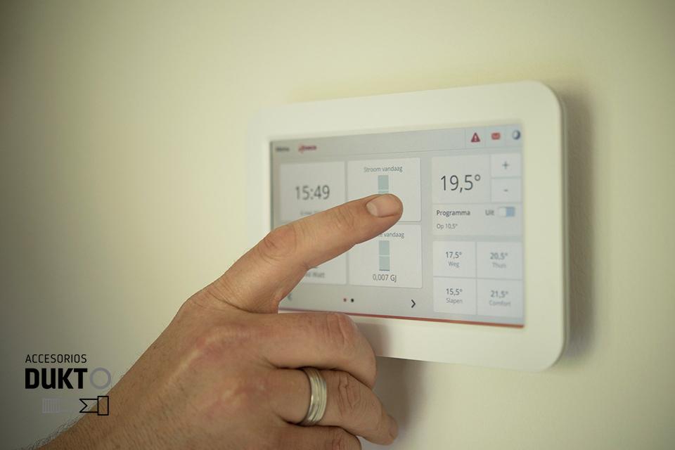 Termostato regulador de temperatura para el hogar